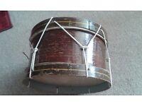 Vintage single drum and 4 drumsticks
