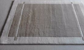 100% wool rug: light taupe and cream