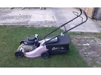 SOVEREIGN PETROL LAWNMOWER MOWER XSS40A GOOD CUT AND GRASS BOX HEAVY DUTY PLASTIC BED