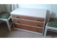 CHEST OF DRAWERS OAK FRONTED DRAWERS PAINTED CARCASS SOUND AND SOLID BEDROOM KITCHEN TV UNIT CHEST