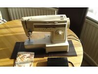 ++++ FOR SALE - VINTAGE SINGER 533 SEWING MACHINE - £45 ++++
