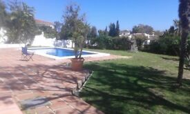 holiday let costa del sol 10 mins from the beach..large apt with bathroom terrace pool great view