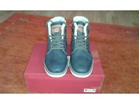 Mens Mustang Boots Size 9.5