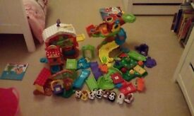 Toot toot animals job lot,includes tree house, farm and eight animals