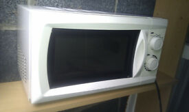 Microwave Oven 700 Watts 17 Litre Capacity Clean + Reay to Use - Bargain Price!