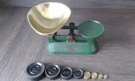 Vintage /Retro Racing Green Cast Iron Weighing Scales & A Set of 8 Solid Brass & Iron Weights