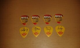 kiss guitar pick set