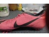 Nike footy bootzs