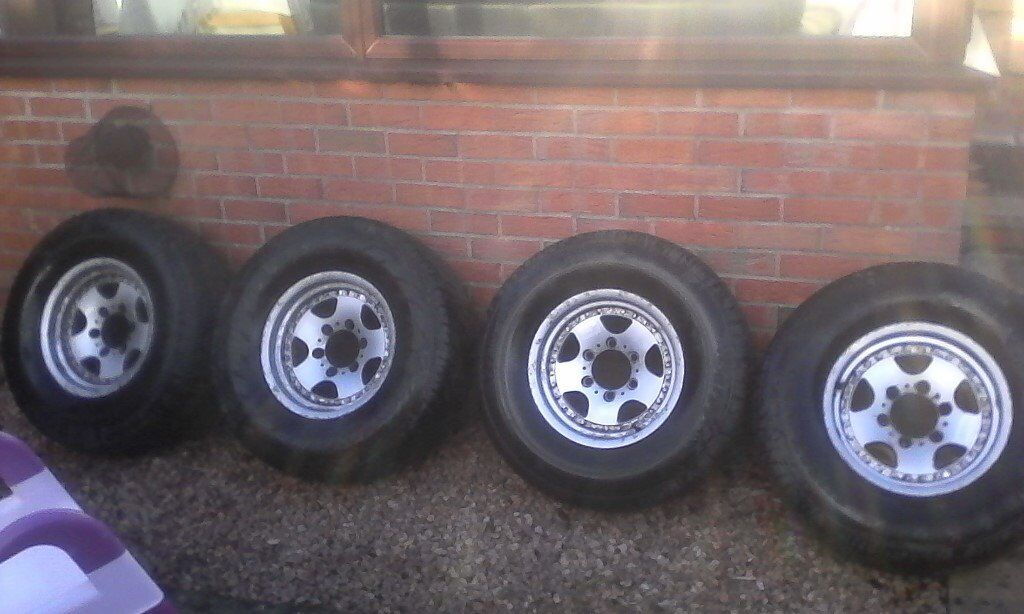 4 X 4 JDM LIGHT WEIGHT SPLIT RIM ALLOYS AND TYRES 265/70/15 SUIT MOST JAPANESE 6 STUD