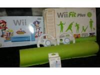 Nintendo wii bundle with assecories