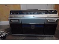 Sharp VZ-2000 Boombox Ghetto Blaster - Plays Vinyl Records
