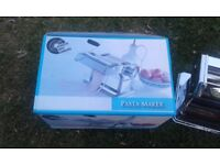 Creative Chef Company Pasta Maker, with box & instructions.