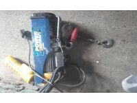 power craft 250 kg winch/hoist 240v