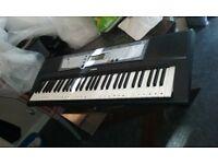 Yamaha PSR E213 keyboard
