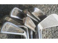 Set of ten supreme golf clubs
