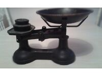 antique cast iron scales rare round shaped pan in original condition & weights text 07592768668