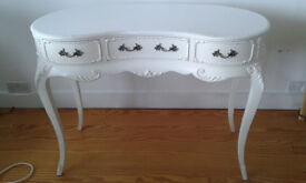 Beautiful French style dressing table, white
