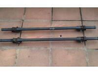 LOCKABLE ANTI THEFT CAR ROOF BARS FOR CARS WITH RAILS