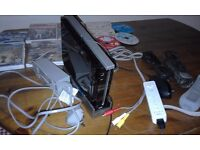 Nintendo Wii for Sale plus games ( possible remote problem )