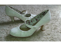 Monsoon Ivory Annabelle Vintage Embroidered Court Wedding Shoe Size 6