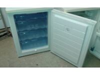 **BOSCH**UNDERCOUNTER FREEZER**60 CM WIDE**FULLY WORKING**COLLECTION\DELIVERY**NO OFFERS**