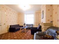 Plaistow E13. **AVAIL NOW** Modern & Spacious 4 Bed Furnished House with Garden near Station