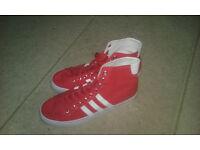 Adidas US 9/2 Trainers BRAND NEW, NEVER WORN.
