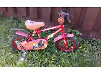Childs fire and rescue bike with stabilizers