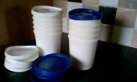 5 White Storage PLASTIC POTS with soft flexible lids