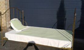 NICE SINGLE BED (iron / metal)