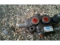 Hydraulic spool block