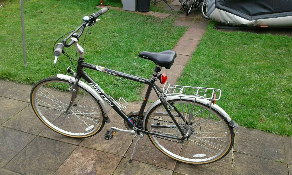 Raleigh hybrid bicycle large frame