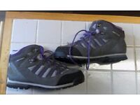 brand new size 6.5 karrimor boots