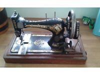Vintage Antique Singer 28k sewing machine & case