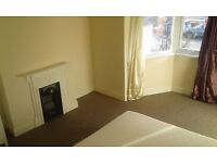 2 renewed double rooms for a tidy, non smoking individuals in friendly house