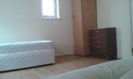 MASSIVE & SPACIOUS TWIN ROOM IN ARCHWAY. £205PW. NICE TO SHARE.//76a-5