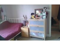 1 Large Double Room available in very nice, tidy, 2 bed flat *UNFURNISHED*