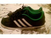 Size 8 adidas trainer