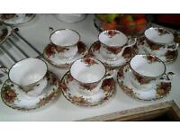 6 Royal Albert Old Country Rose cups @ saucers