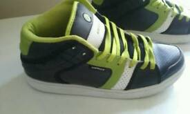 Airwalk Trainers Size 6 In Excellent Condition