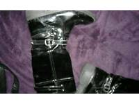 Girls size 6 boots,