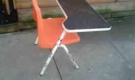 RETRO CHILDS SEAT / DESK