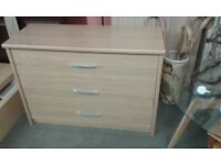 light oak effect chest of 3 drawers great condition £55.00