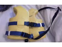 "Brookstone toddler life jacket coast guard approved 21""- 23"" 30-50Ibs"