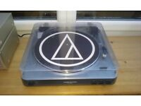 Audio Technica AT-LP60-USB turntable, silver.