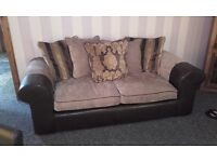 3 seater sofa and 2 seater cuddle sofa excellent condition needs gone call or text
