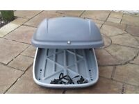 Halfords Roof Box, with bars, straps and lockable key