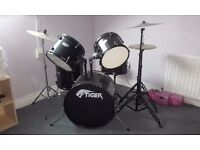 Tiger brand 8-piece drum kit, hardly used, excellent condition