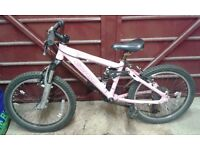 Girls bike, suits 7-9 year old