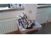 Gorgeous Italian designer shoes,size 4